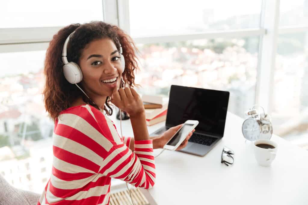 Jobs that you can work alone from home