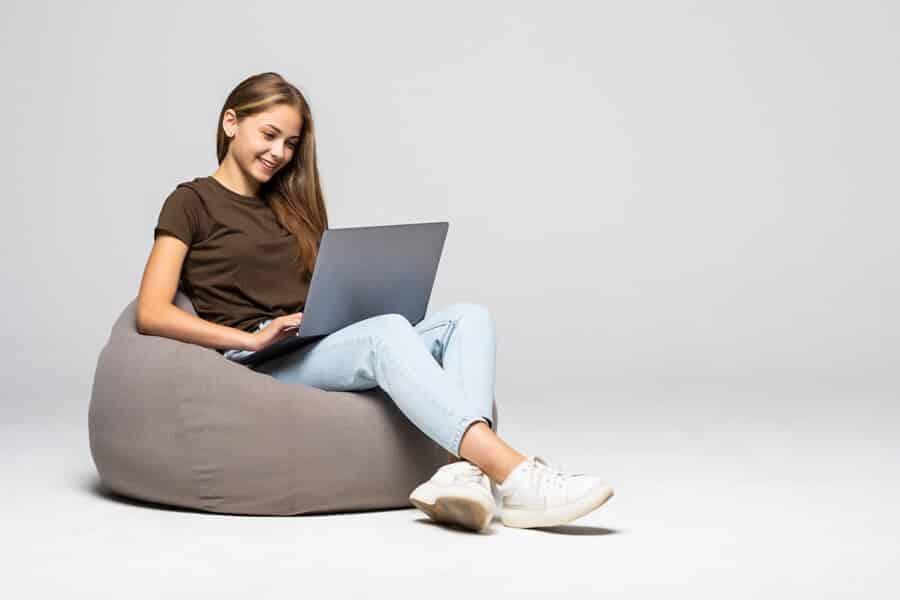 Teen-Jobs-online-Start-a-blog